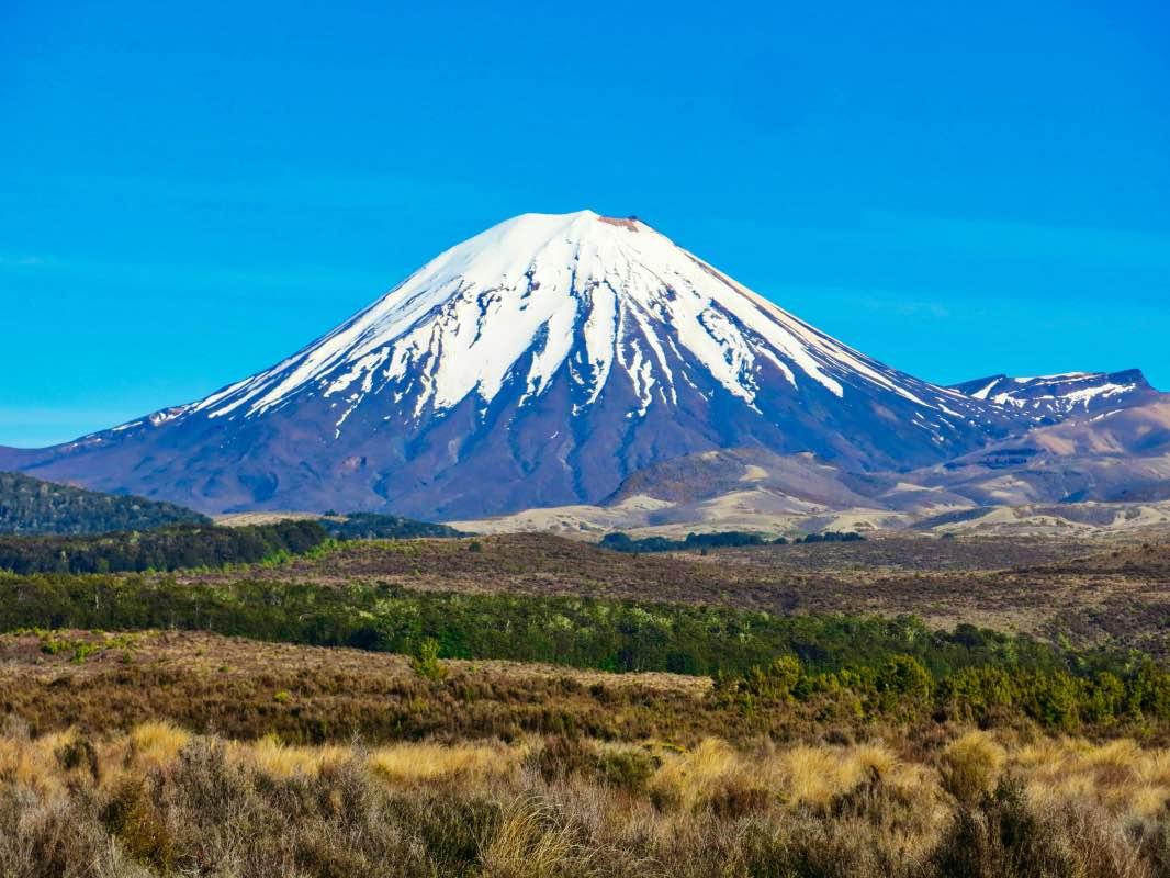 Тур в Новую Зеландию на вулкан Нгаурухоэ