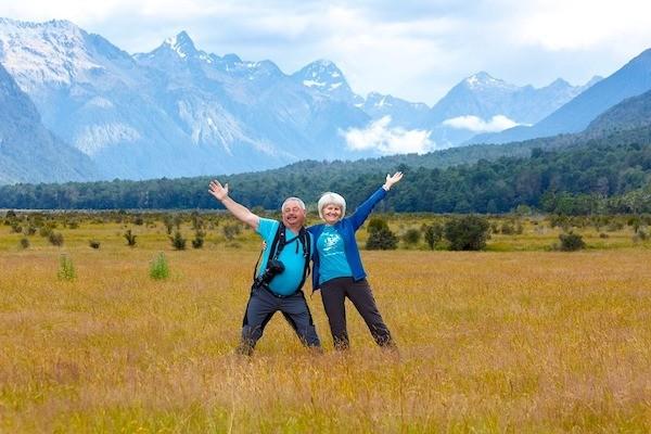 Путешествие на Милфорд сануд на Южном острове Новой Зеландии